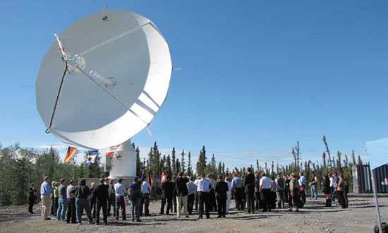 Inauguration of the DLR satellite dish on the Canadian satellite receiving station Inuvik in August 2010.